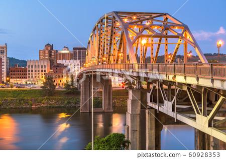 Charleston, West Virginia, USA downtown skyline 60928353