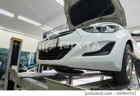 Car Inspection Engine Oil Replacement 60964501