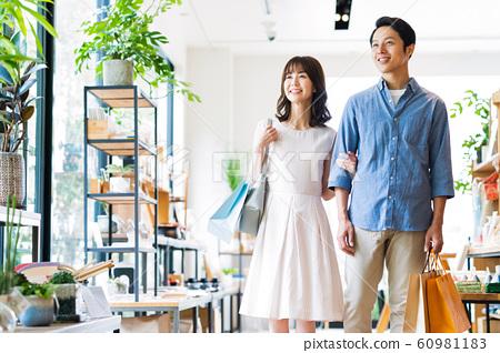 女士們購物購物可愛生活方式休閒 60981183