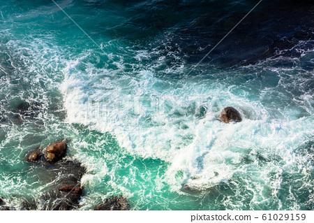 crushing sea waves texture 61029159