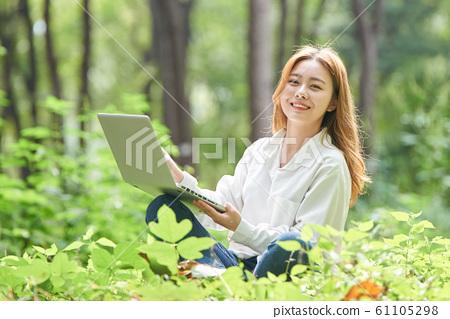 여성 신록 비즈니스 노트북 61105298