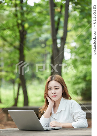 여성 신록 비즈니스 노트북 61105385