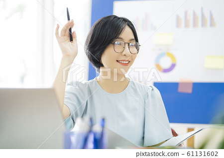 business woman, working, office 61131602