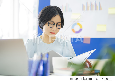 business woman, working, office 61131611