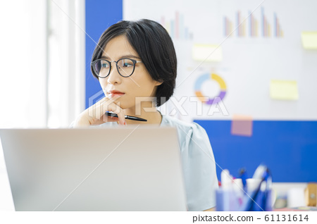 business woman, working, office 61131614