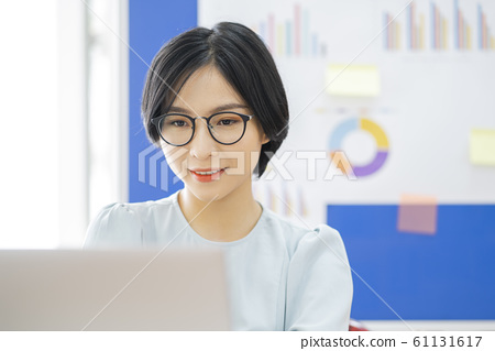 business woman, working, office 61131617