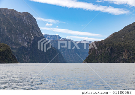 New Zealand Milford Sound 61180668
