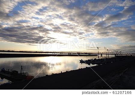River where the sun shines 61207166