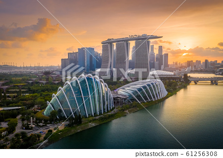 Aerial view of Singapore skyline at dusk 61256308