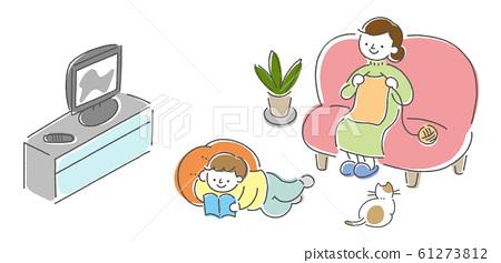 거실에서 휴식 부모와 자식의 일러스트 61273812