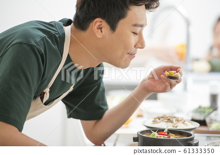 가족 식사 61333350