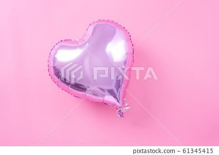 Ki球愛好者粉彩色的背景鋁箔氣球粉紅色背景情人節 61345415