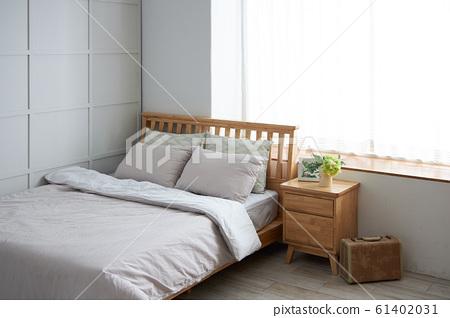 大窗戶的臥室 61402031