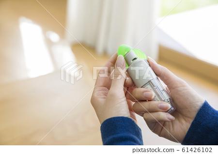 使用支氣管擴張劑的女性 61426102