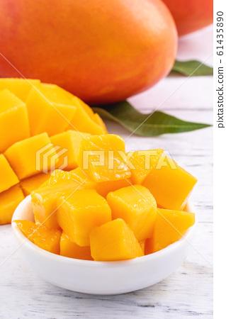 芒果水果明亮Natsuten Hotei新鮮切碎的芒果芒果切芒果 61435890