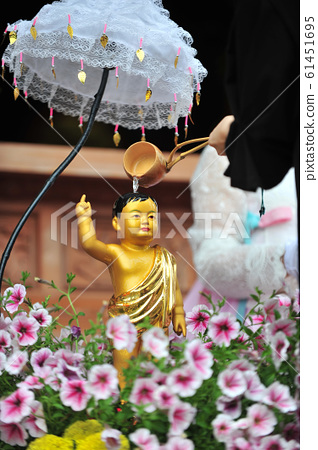 부처님오신날 한국 위봉사 관불 의식  61451695