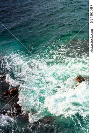 crushing sea waves texture 61490997