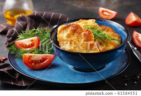 chicken cutlets 61584551