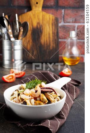 seafood 61584559