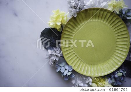 碗,大理石和乾花 61664792