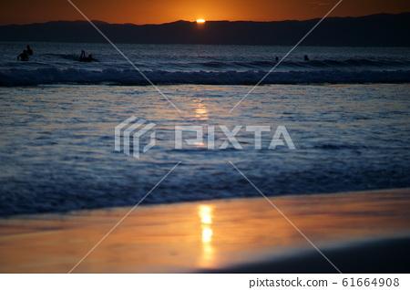sunset 61664908