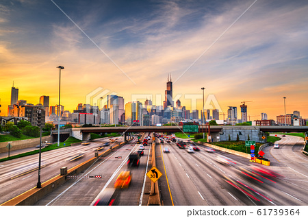Chicago, IL, USA Cityscape and Highway 61739364