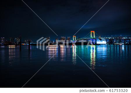 도쿄 레인보우 브릿지 야경 61753320