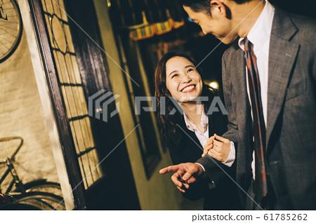 下班後情侶約會 61785262