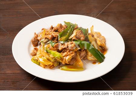 煮熟的肉 61853039