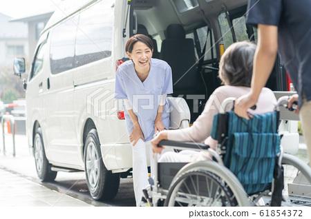 개호 시설 데이 서비스 개호 차량 의료 이미지 61854372