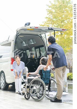 개호 시설 데이 서비스 개호 차량 의료 이미지 61854376