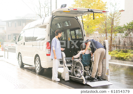개호 시설 데이 서비스 개호 차량 의료 이미지 61854379