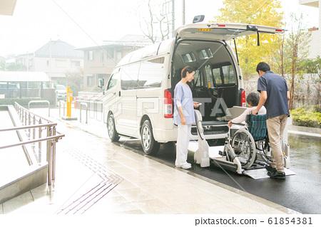 개호 시설 데이 서비스 개호 차량 의료 이미지 61854381
