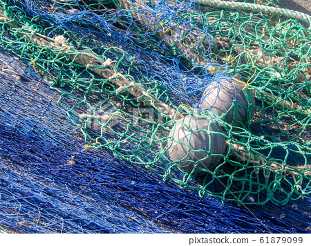 Fishing net with floating buoys 61879099