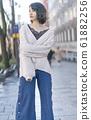 時尚肖像冬季搭配寬褲子 61882256