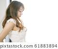 一個閉上眼睛的女人 61883894