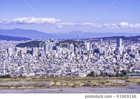 (시즈오카 현) 아베 너머로 시즈오카시의 거리 풍경 61909186