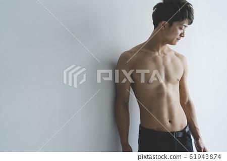 근육 남자 61943874