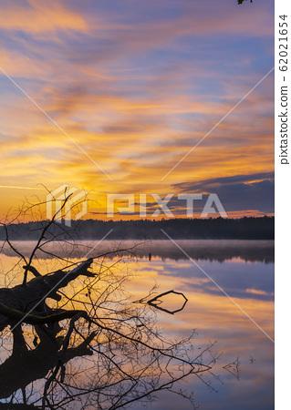 sunrise sun over pond, Trebon, Czech Republic 62021654