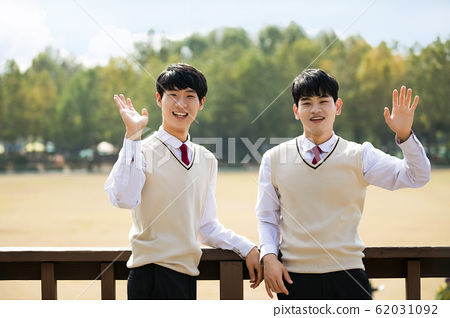 High school student's daily life, Asian teenage students wearing uniform on college with friends 010 62031092