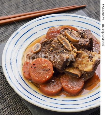 한국의 전통음식 소고기 갈비찜 62064453