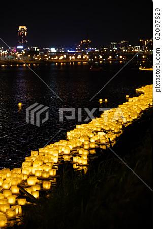 水燈籠,祈禱,水燈籠,慶典,玉蘭盂蘭盆節,泰國水燈籠,宗教節日,水燈籠 62097829