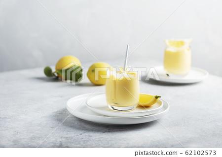 Sweet lemon curd 62102573