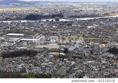 [Urban landscape image] Bird's-eye view of Inuyama City, Aichi Prefecture and Kakamigahara City, Gifu Prefecture 62118316