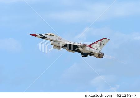 Thunderbirds F-16 Solo Takeoff 62126847