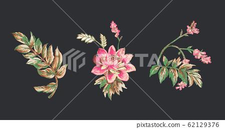 深底上色彩豐富的手繪花卉素材 62129376
