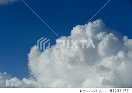 구름 62155477