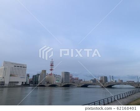 Bandai Bridge in the winter city center of Niigata city center 62168401