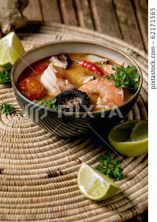 Thai soup tom yum 62171565