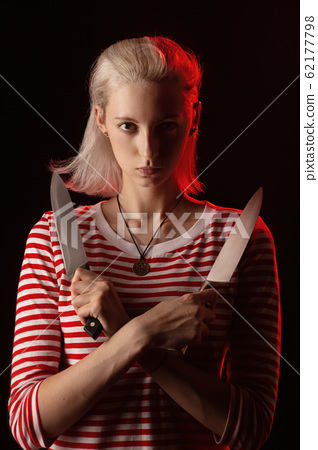 woman with knives 62177798